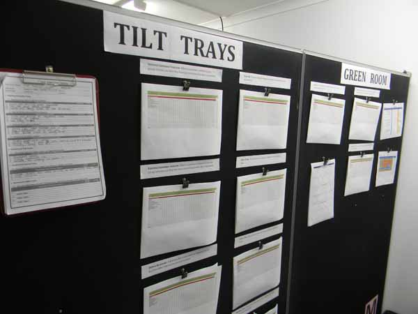 TiltTrays1580